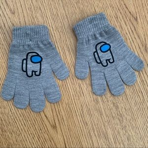 NWOT Youth sized stretchy SUS gloves